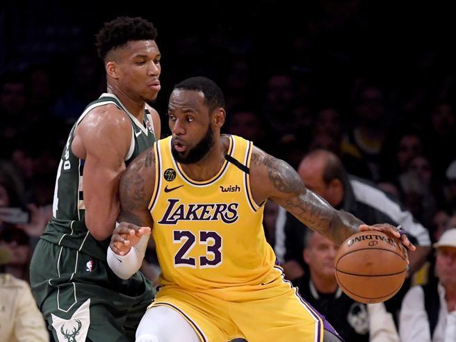 L'anno nero dei Lakers: LeBron James parla di ripartenza e si dice fiero di squadra e tifosi