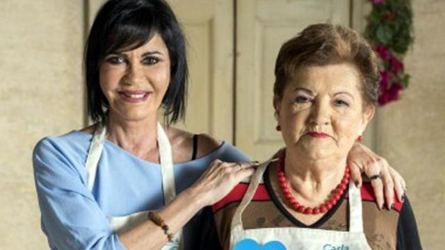 Il dramma di Fiordaliso: <Ho perso mia madre, uno strazio>