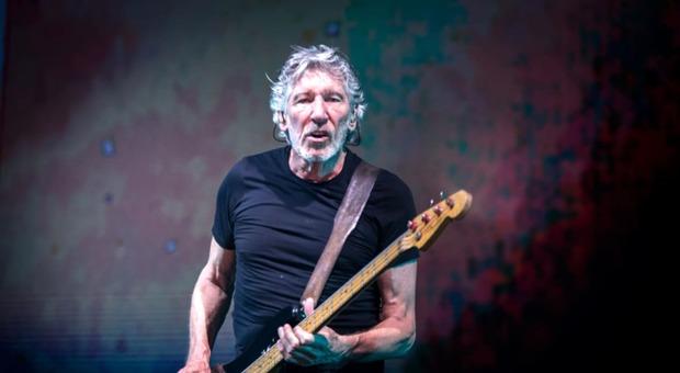 """Roger Waters pubblica """"Us + Them"""", esce il film del fondatore dei Pink Floyd"""