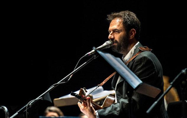 Domenica a Lucca il concerto-tributo di Neri Marcorè alla canzone d'autore