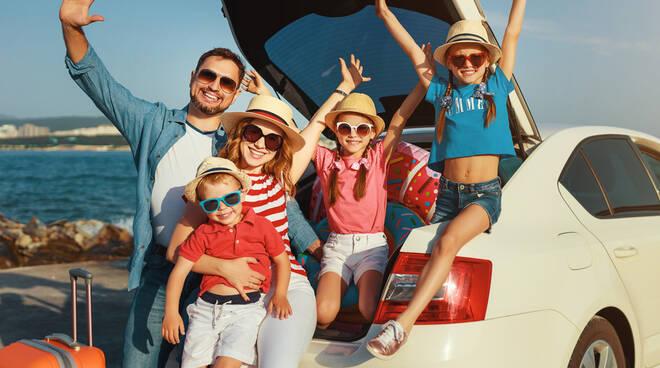Le partenze intelligenti? I consigli per viaggiare in auto con i bambini