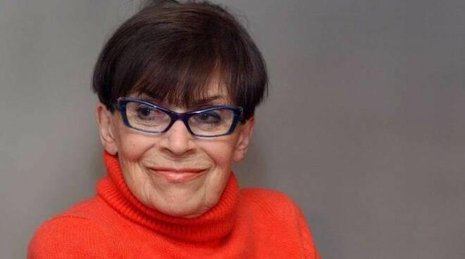 Franca Valeri addio: dalle leggi razziali alla tv, a 100 anni ci lascia l'icona della comicità