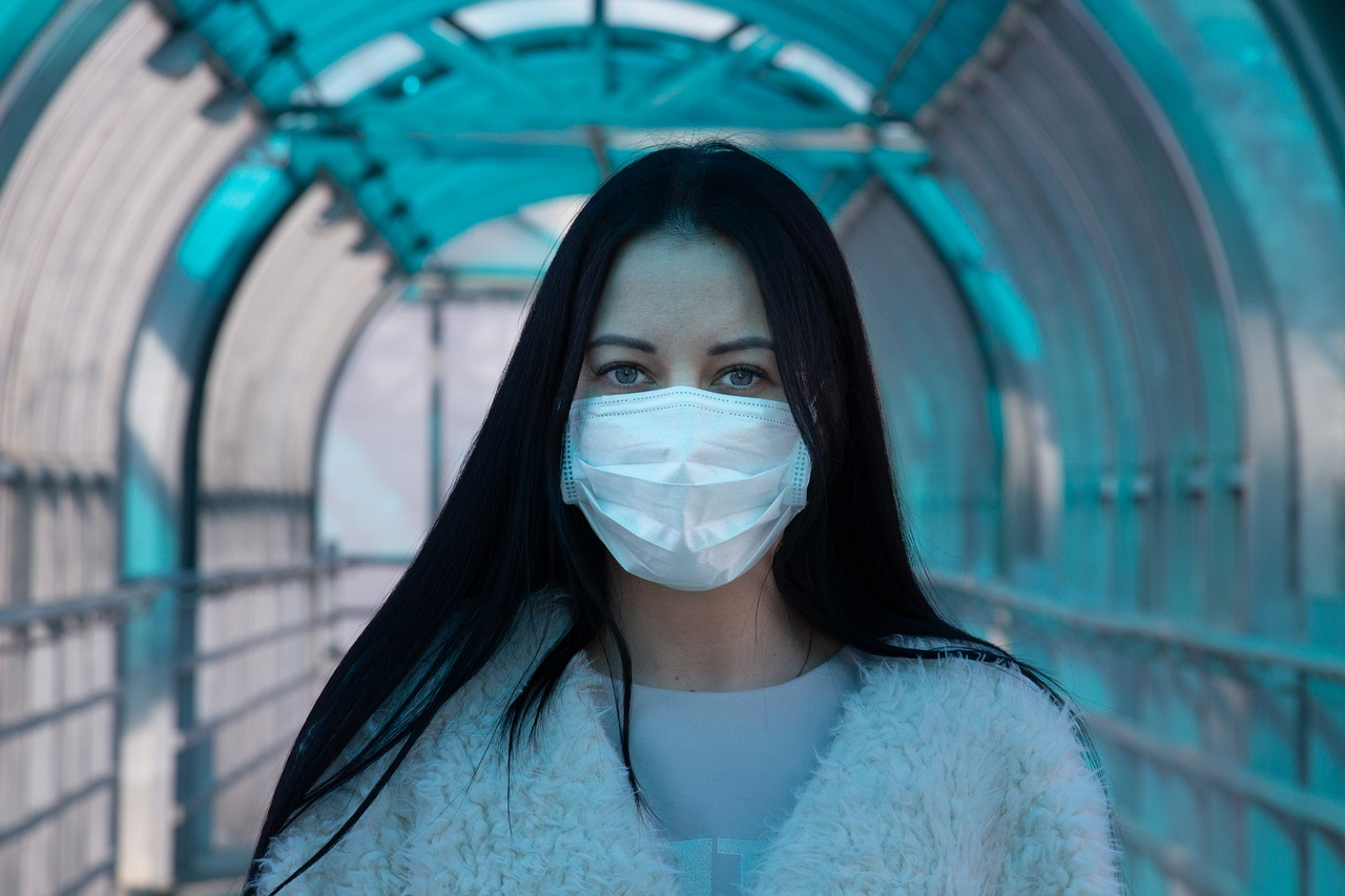 Nuovo decreto anti-Covid: obbligo della mascherina, sempre