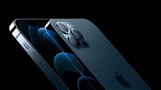 Apple svela il nuovo iPhone 12: 5G e scudo di ceramica