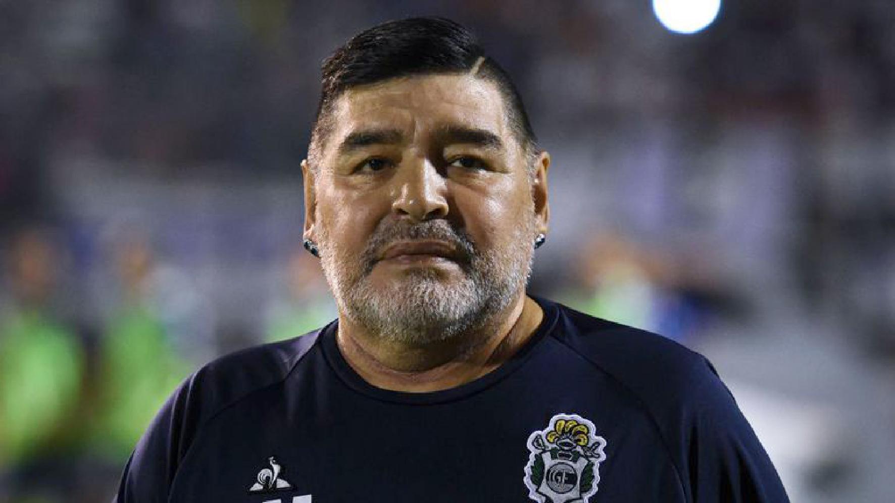 Diego Armando Maradona operato alla testa contro volere delle figlie