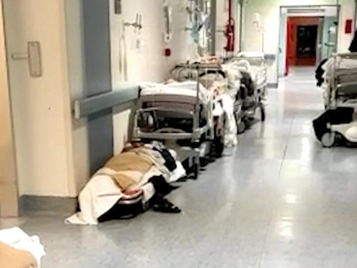 Pazienti di Covid per terra, caos nell'ospedale di Rivoli