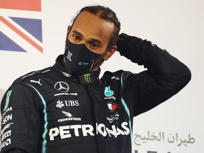 Hamilton positivo, non corre in Bahrain